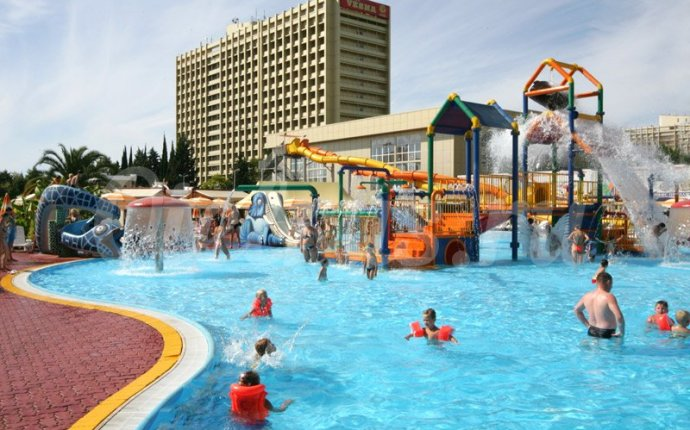 Курортный городок в Адлере, частный сектор, гостиницы, гостевые