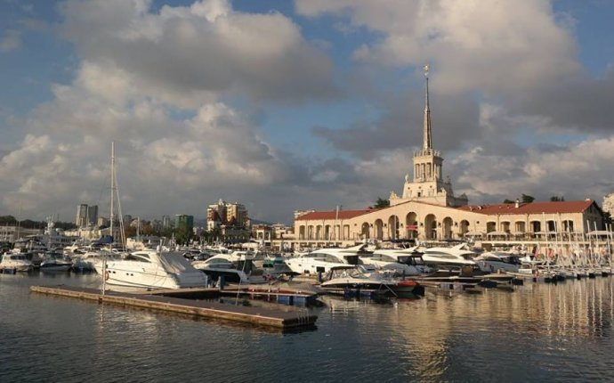 Летний отпуск на Черном море: круиз из Сочи в Крым, новые пляжи и